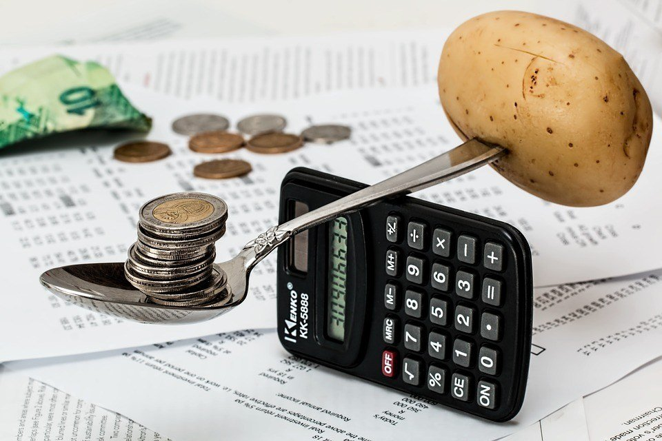 Joustoluottojen yhdistäminen säästää useita satoja euroja